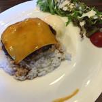 カフェダイナー コナ - ロコモコランチ1000円 ハンバーグ