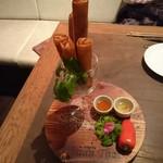 バーンタイ - タイの揚げ春巻き