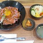 TK - ローストビーフ丼セット(1000円)