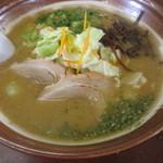 らぁ麺 華宝 - 料理写真:みそラーメン大盛り870円。