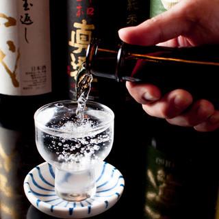 豊富なドリンクに、かち割り純氷。レアな日本酒・焼酎も安価に◎