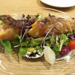 ル・ガニオン - マリネサーモンの炭火焼 夏野菜と万願寺のピュレ