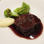 ル・ガニオン - 淡路島産 椚座牛 ネックの赤ワイン煮込み