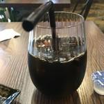 コッペパンカフェ イコール - アイスコーヒー(250円)
