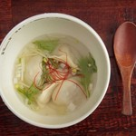 鶏スープが美味い!もちもち水餃子(5個)