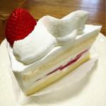 55418315 - いちごのショートケーキ