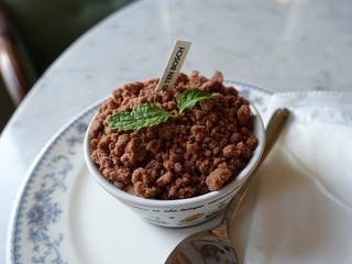 カフェ デリプリュ - 植木鉢ティラミス