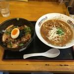 55421512 - 徳島ラーメン豚バラと炙りチャーシュー丼