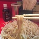 ラーメン二郎 - 麺アップ