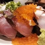 55427997 - こぼれ寿司