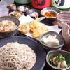 そば切り 粋人 - 料理写真:人気の「粋人膳」は小鉢、漬物、天婦羅、自家製豆腐、かやく御飯、ざるそば又はかけそば