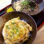 """南海そば - 「日替定食」(500円)。今回は""""かき揚げ玉子とじ丼""""。麺は選べる。"""