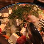 スチームダイニング しまぶた屋 - 海ぶどうと豆腐のサラダ
