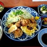 ラーメン十五万石 - 料理写真:昼定食 唐揚げ \730
