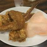 55457866 - 鶏、手羽、ゲソの素揚げに揚げせん。