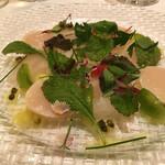 55459128 - 帆立貝と真鯛のサラダ仕立て グリーンペッパーのドレッシング