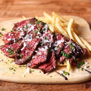 希少肉の肉々しさが味わえる『USプライムビーフステーキ』
