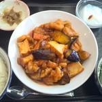 中華居酒屋 富盛 - 鶏と茄子の辛子炒めランチ