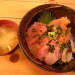 浜焼次郎 - 海鮮丼
