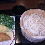 丸亀製麺 府中店 - 釜揚げうどん(並)290円+いなり100円=390円(2016.08.31)