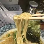 55465108 - 濃厚煮干し味玉鶏そばの麺