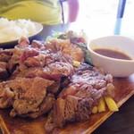 アキタカ - 肉盛りステーキ2種 250g