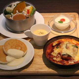 ★大好評♪★ランチ880円より♪温野菜、スープ&パンケーキ付