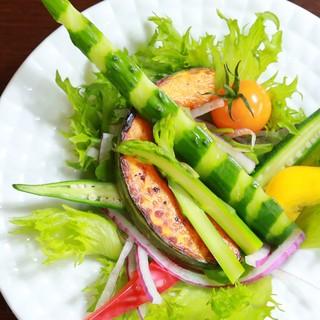 色彩豊かな野菜ー。心も身体も健康にー。