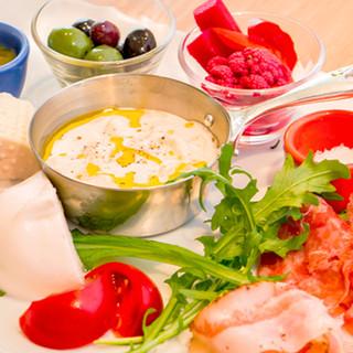 お昼からちょっと贅沢に。至福のイタリアンをランチコースで。