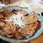 潮太郎 - 豚丼セット