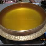 55485286 - 透き通った美味しいスープ