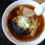 まる八食堂 - 料理写真:中華そば(\500税込み)