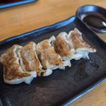 博多ラーメンひなた - セットの餃子。パリッとした皮に肉感たっぷりで美味しい。