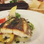 フタツボシ カフェ - 白身魚のポワレ