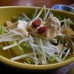手打ちそば 松月庵 - 「松茸ご飯+そばセット」のサラダ