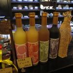 鈴木珈琲店 - 信州特産のジュースが週替りでいただけます♪