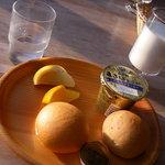 カサ・デ・プラド 小岩井 - 朝食パン&牛乳