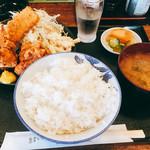 すずき亭 - 料理写真:ランチAセット(から揚げ、イカフライ)750円