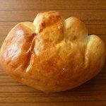 ぷらぁっと - 天然酵母クリームパン