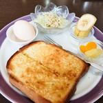明日香 - アーモンドトーストのセット