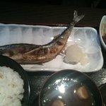 海岸食堂 さいもん - 本日の焼き魚定食(900円)