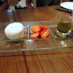 55574380 - ★旬のトマトとモッツァレラ・ブラータのカプレーゼ