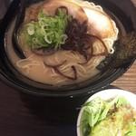 麺屋おか田 - 玉名ラーメン(600円)