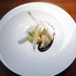 アバロッツ - レモンクリームと焼いたシート  ショコラ  ミント   奈良卵のアールグレイジェラートと野生胡椒(吉野/郡山)
