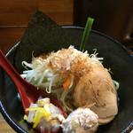つけ麺 しろぼし - 具沢山で嬉しい('16/09/02)
