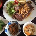 たんぽぽハウス - 800円 ステーキ定食