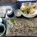 55585564 - 「天ぷらそば」これは、調理終了。
