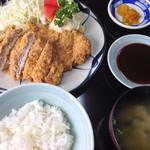 東華ファミリー - ヒレかつ定食 1750円