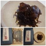赤坂松葉屋 - ◆お茶づけ松茸昆布・・お茶漬け用と記載されていますので、普通の昆布佃煮よりは優しい味わい。 お茶づけで頂きましたが、美味しいですよ。