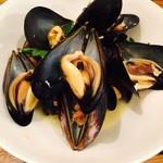 bowl - ムール貝の白ワイン蒸し